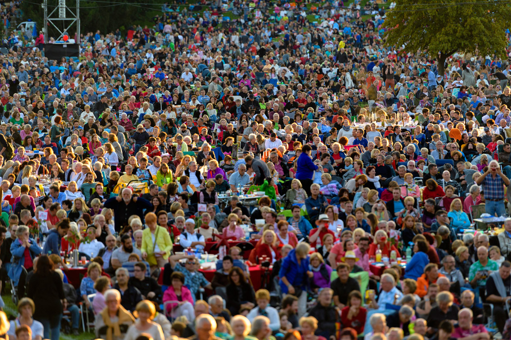 Publikum beim Klassik Opern Air Nürnberg