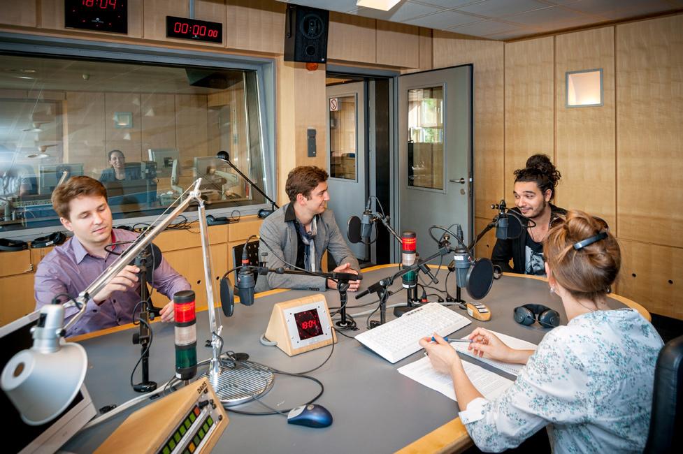 Pausengespräch mit Debütanten im Studio 3 des Berliner Funkhauses