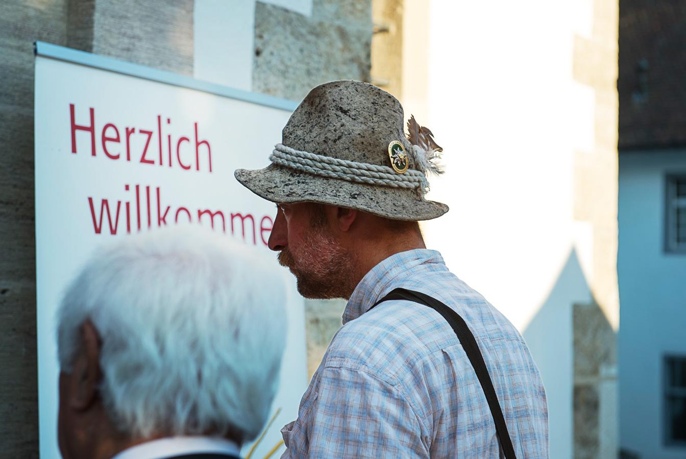 Besucher beim SOLsberg Festival