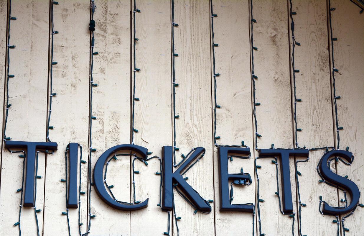 """Schriftzug """"Tickets"""""""