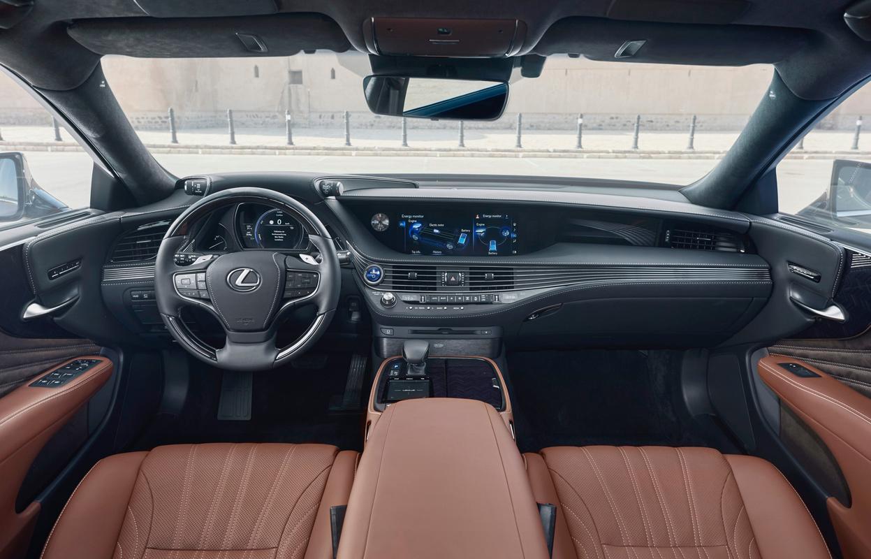 Lexus LS, Interieur