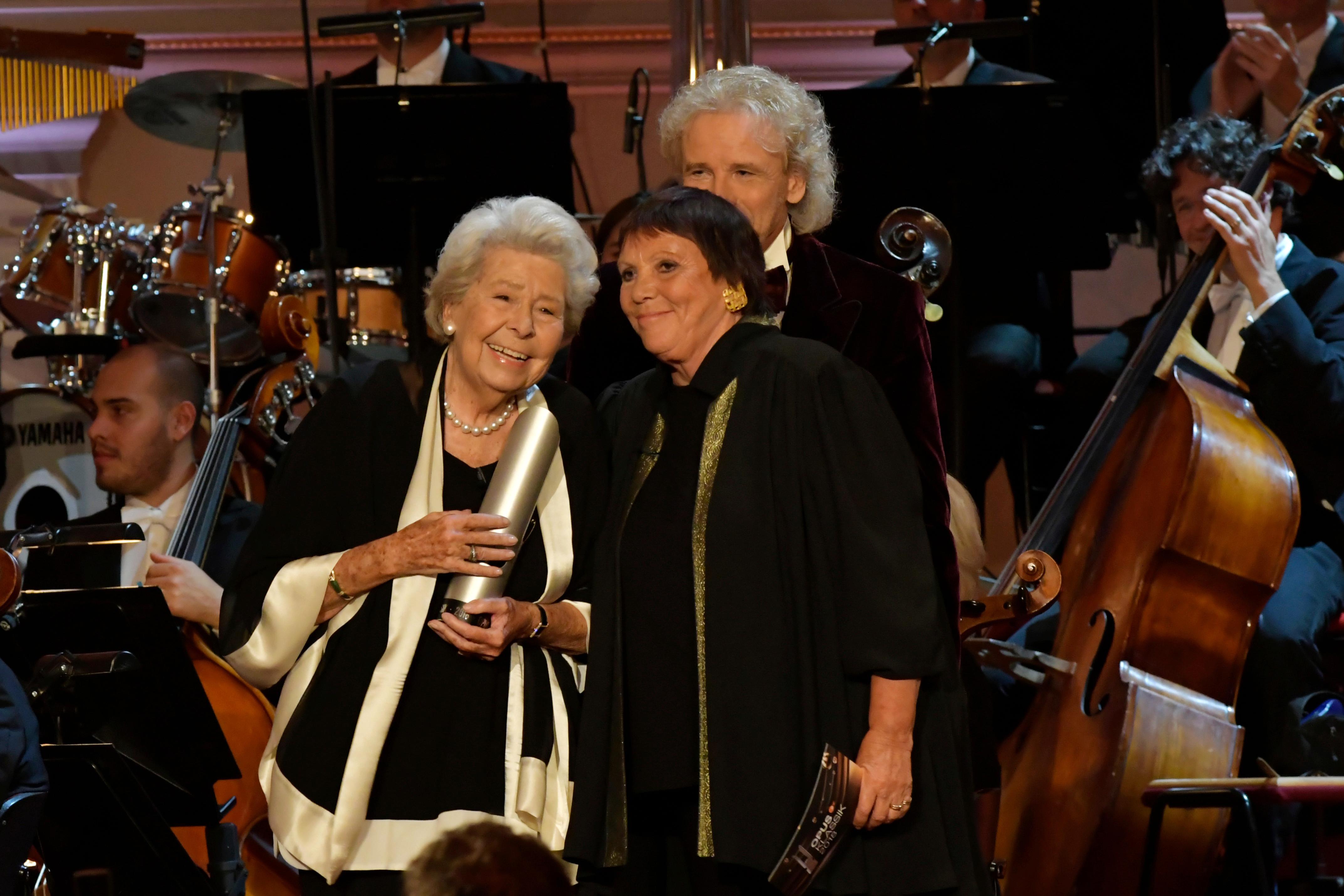 OPUS-Klassik. Christa Ludwig erhielt den Preis für ihr Lebenswerk, die Laudatio hielt Brigitte Fassbaender