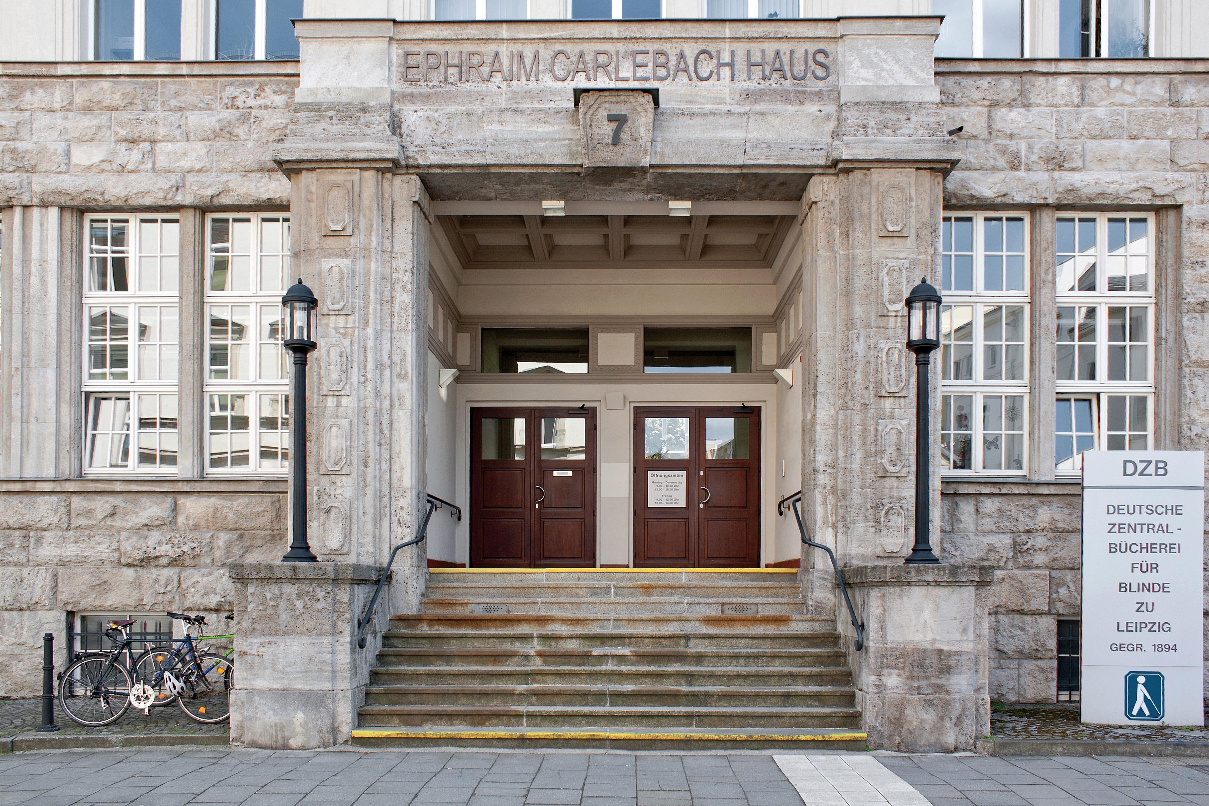 Eingang der Deutschen Zentralbibliothek für Blinde in Leipzig