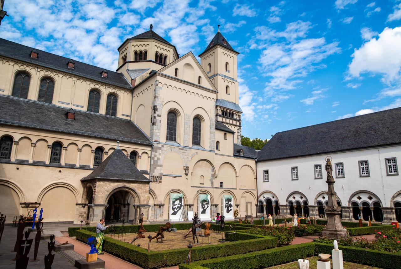 Abtei Brauweiler: eine der Spielstätten für das Musikpicknick der Offenbachgesellschaft Köln