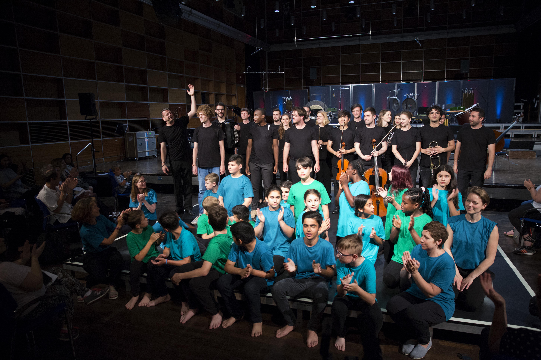 Schlussapplaus bei der Aufführung der Preisträger-Werke im Studio 1 des BR