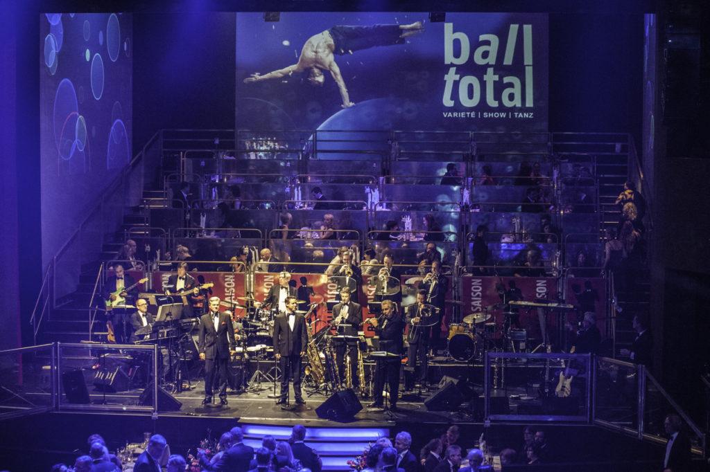 ball.total am Deutschen Theater München