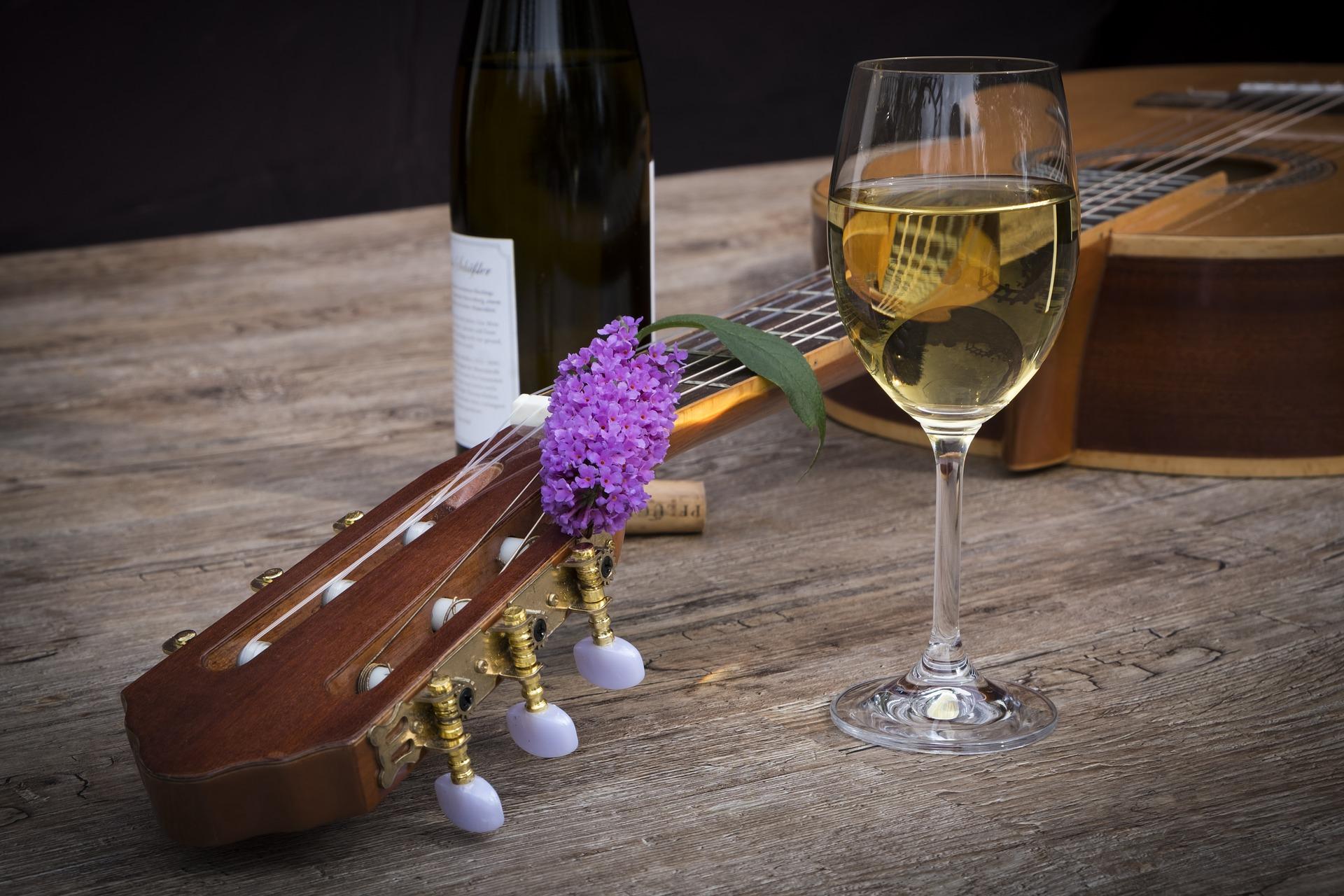 Wein und Musik werden zum synästhetischen Genuss © Pixabay